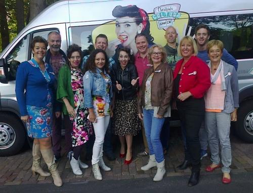 Onze 16 persoons mini-bus is te zien in het programma Christines Cultuursnack!